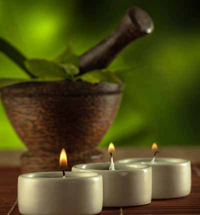 Oriental massage, four hands massage with Ayurveda Abhyanga