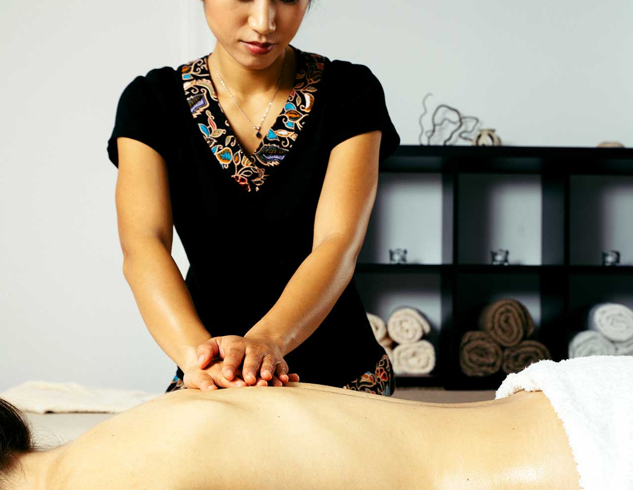 Center of oriental massages, Thai massage with oils