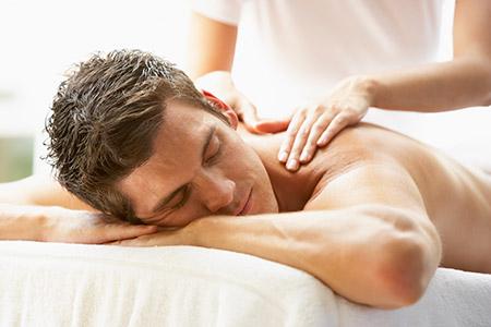 Los efectos del masaje relajante sobre la salud y el bienestar trascienden el plano físico.