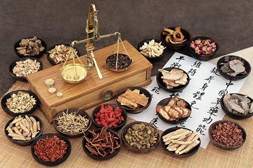 Masajes en pareja con planes temáticos orientales: reflexología y taller de salud china.