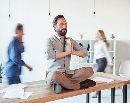 Soluciones al estrés laboral: la meditación.