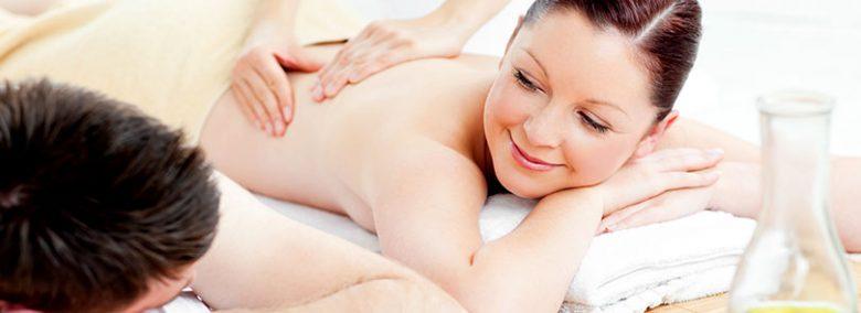 Los masajes en pareja son una alternativa de ocio y relajación ideal para regalar.