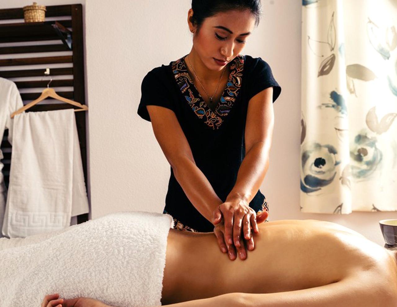 Masaje Shiatsu con aceites en el Centro de masajes orientales en Madrid